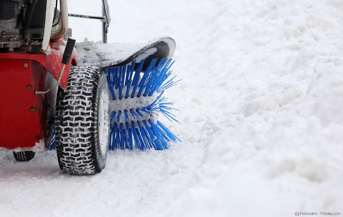 Winterdienst - Schneeräumen, Streuen, Glättebekämpfung